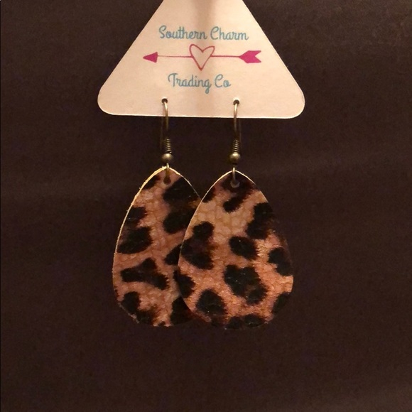southern charm trading co Jewelry - Cheetah teardrop leather earrings